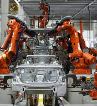 工业机器人成制造业最强驱动力 应加快向多领域扩散